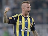 Fener's Raul Meireles celebrates his goal against Borussia Moenchengladbach on October 4, 2012