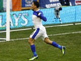 Steven Pienaar celebrates moments after scoring the opener against Chelsea on December 30, 2012