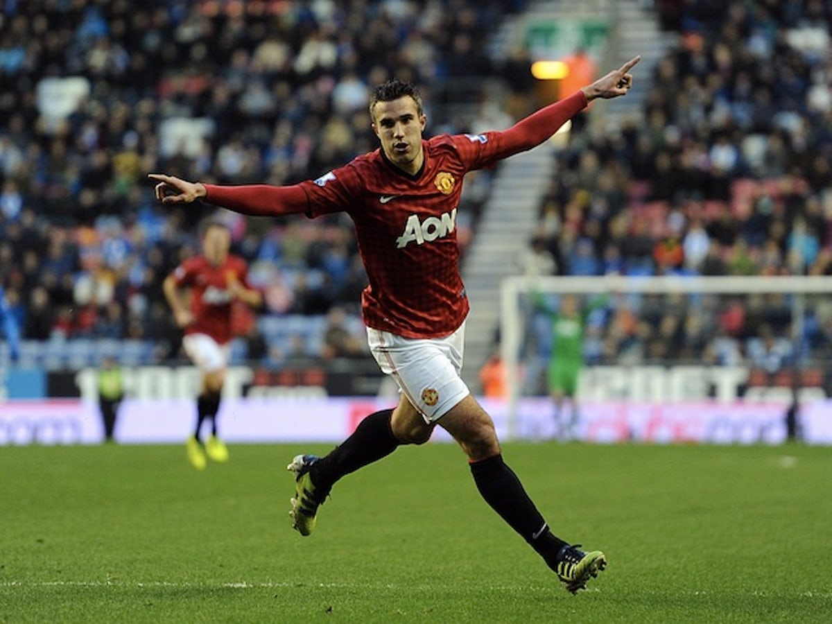 Robin Van Persie Captaincy Will Not Change Me Sports Mole