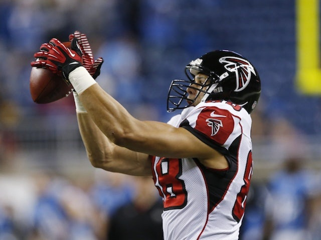 Falcons TE Tony Gonzalez takes a catch in the game with Detroit on December 22, 2012