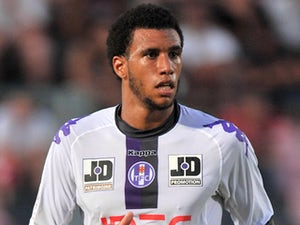 Spurs complete Capoue signing?