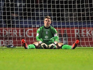 Butland to train with Stoke
