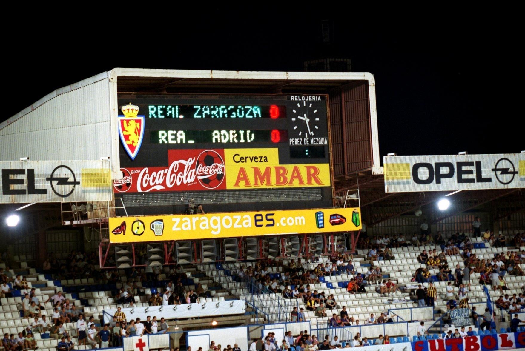 A close up of the scoreboard at Estadio de La Romareda on August 19, 2001