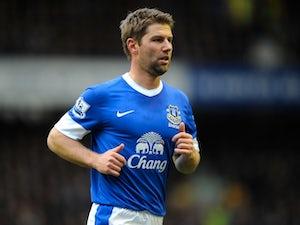 Hitzlsperger extends Everton stay