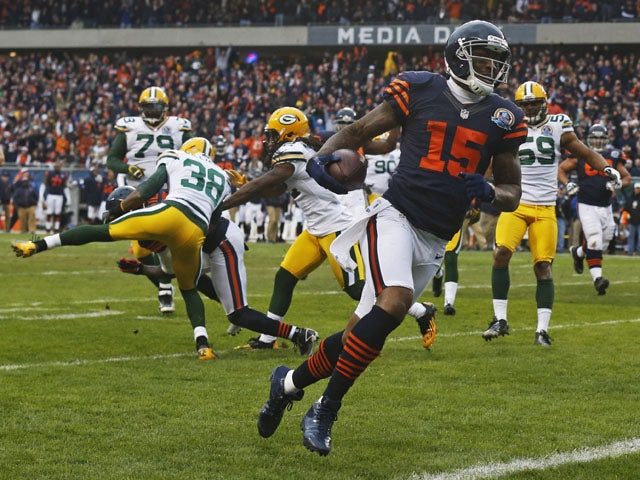 Chicago Bears wide receiver Brandon Marshall scores a touch down in his sides match against the Green Bay Packers on December 16, 2012