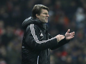 Laudrup: 'Chelsea need a trophy'