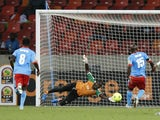 Niger goalie Kassali Daouda keeps the score at 0-0 against Congo on January 24, 2013