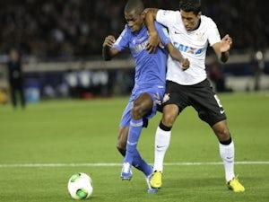 Paulinho hints at Corinthians exit?