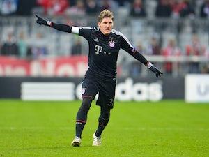 United to target Schweinsteiger if Fabregas bid fails?