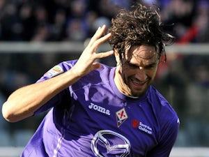 Verona sign Toni