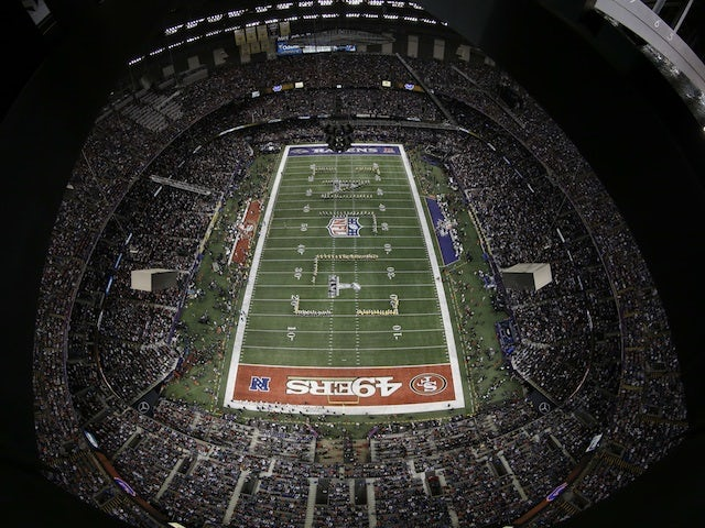 Power failure stops Super Bowl