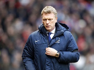 Moyes: 'Contract not affecting players'