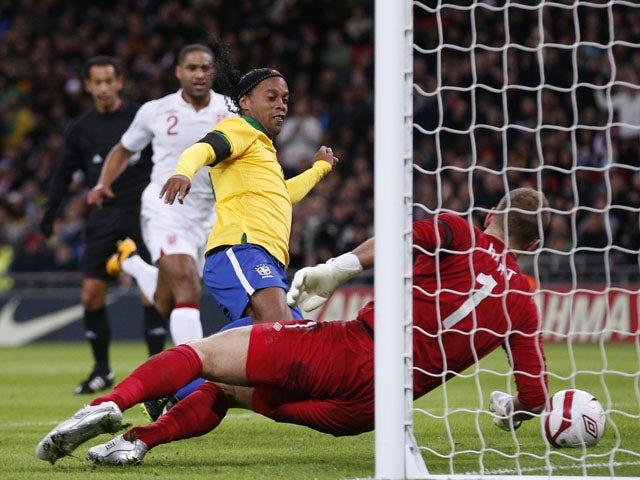 Scolari still considering Ronaldinho for selection