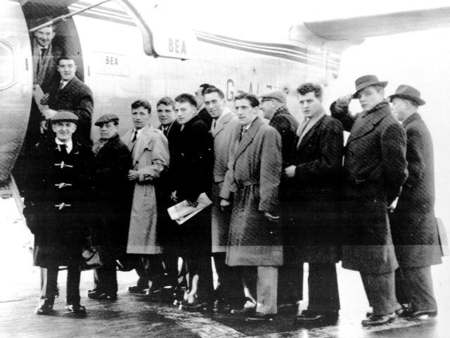 Members of Manchester United board the BEA Elizabethan to Belgrade.