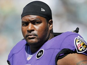 McKinnie wants to stay with Ravens