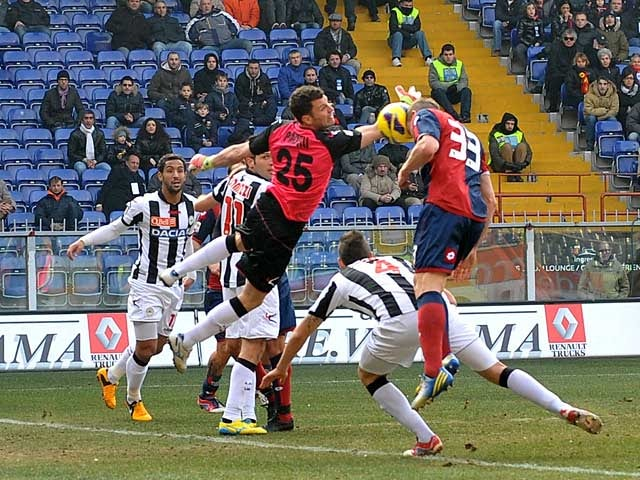 Genoa's Juraj Kucka heads in the opener against Udinese on February 17, 2013