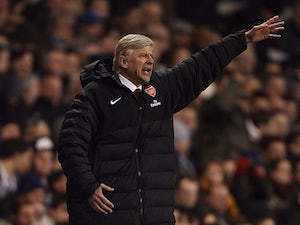 Wenger angered by refereeing