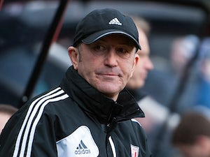 Pulis ready for Man Utd challenge