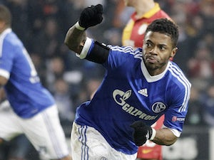 Bastos wants Schalke stay