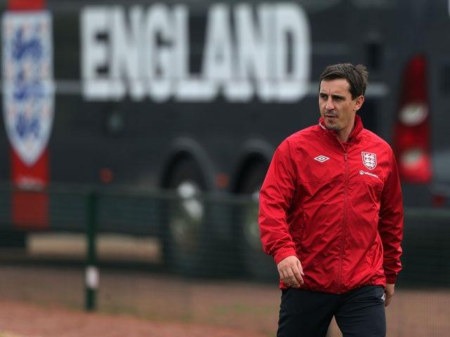 Neville: 'United do not need to panic buy'