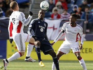 New England, Kansas play out stalemate