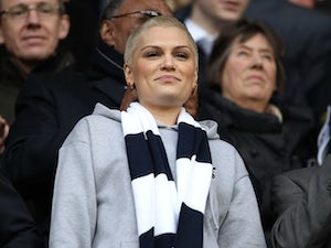 Jessie J forced to change outfit for Spurs clash
