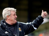Hull boss Steve Bruce gives the thumbs up prior to kick off in the match against Ipswich on April 13, 2013