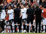 Arsenal players give United a 'Guard of Honour' before their game on April 28, 2013