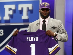 Floyd awaiting knee scan results