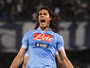 Benitez wants Cavani stay