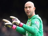 Everton keeper Tim Howard in action on April 27, 2013