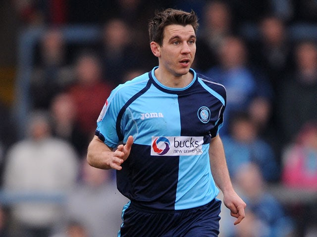 Bloomfield extends Wycombe contract