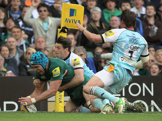 Leicester's Graham Kitchener scores a try during the Aviva Premiership Final against Northampton Saints on May 25, 2013