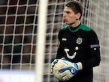 Hannover's Ron-Robert Zieler in action on November 22, 2012