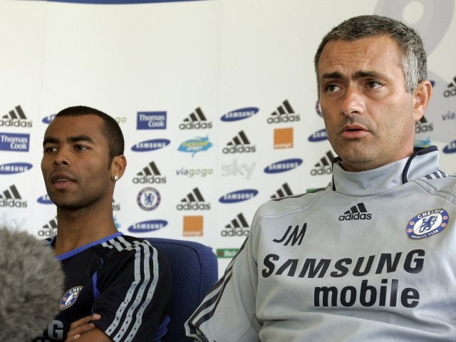 After much controversy, Mourinho finally lands Ashley Cole from Arsenal in the summer of 2006.