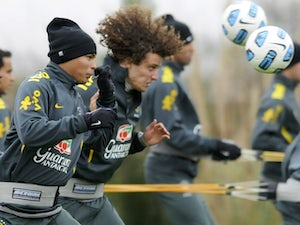 Luiz backs Paulinho to impress