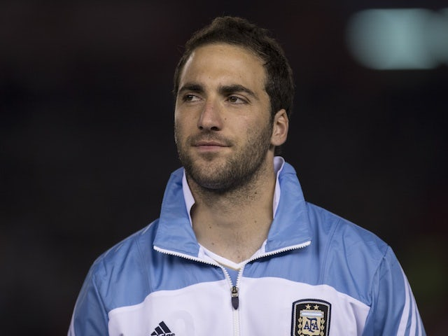 Napoli complete Higuain signing