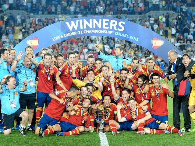 Spain celebrate winning the u21 Euro Champs on June 18, 2013