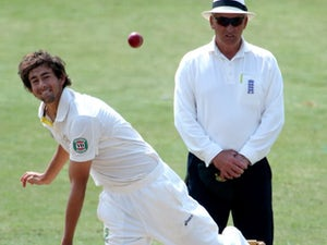 Australia rally to pass England at lunch