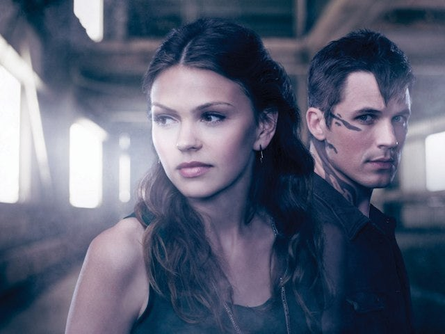 Promo shot for The CW's Star-Crossed