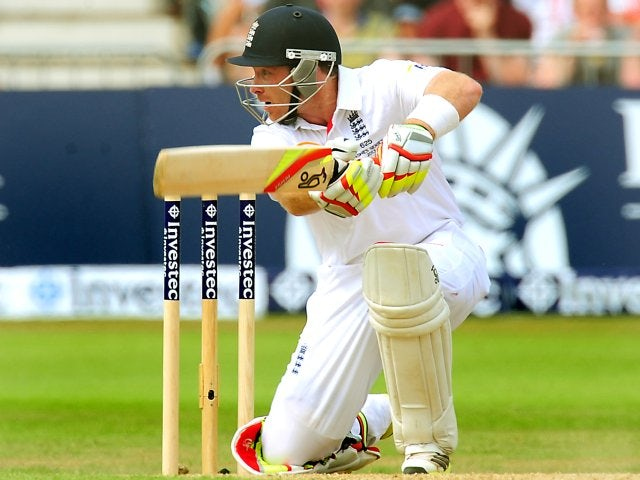 England continue to push on at tea
