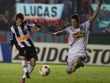 Bernard scores for Atletico Mineiro in a Copa Libertadores match.