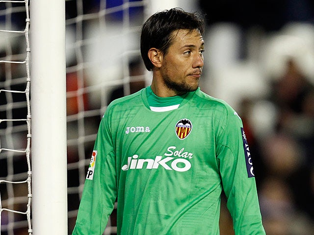 Valencia's goalkeeper Diego Alves in action on January 20, 2013
