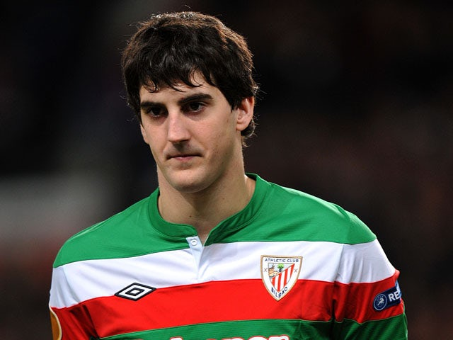 Athletic Bilbao's Mikel San Jose lines up prior to the Europa League match against Manchester United on March 8, 2013