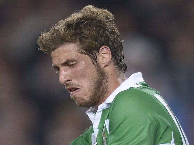 Ruben Perez in action for Betis against Barca on May 5, 2013