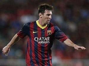 Messi suffers injury scare