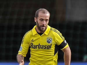 Higuain helps Columbus Crew to victory