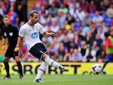 Spurs' Roberto Soldado scores from the penalty spot against Crystal Palace on August 18, 2013