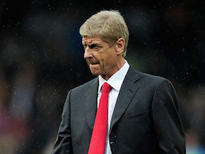 Wenger: 'Man United are not out of title race'
