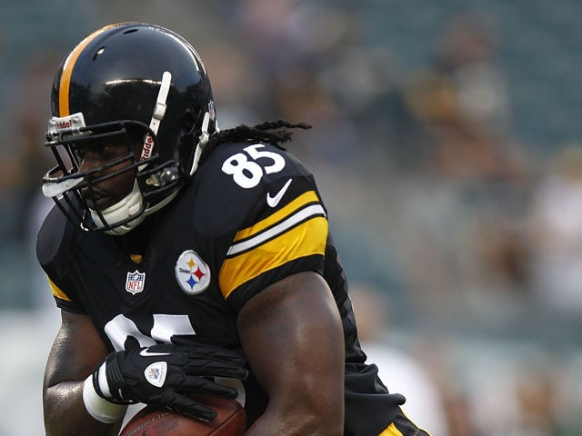 David Johnson #85 of the Pittsburgh Steelers runs during a preseason game against the Philadelphia Eagles at Lincoln Financial Field on August 9, 2012